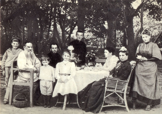 Lev Tolstoy with his family