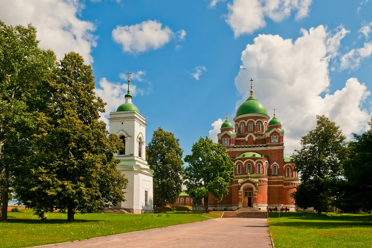 How revived the Resurrection Goritsky Monastery, its history and features