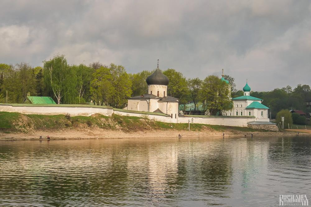 Mirozhsky Monastery - Pskov