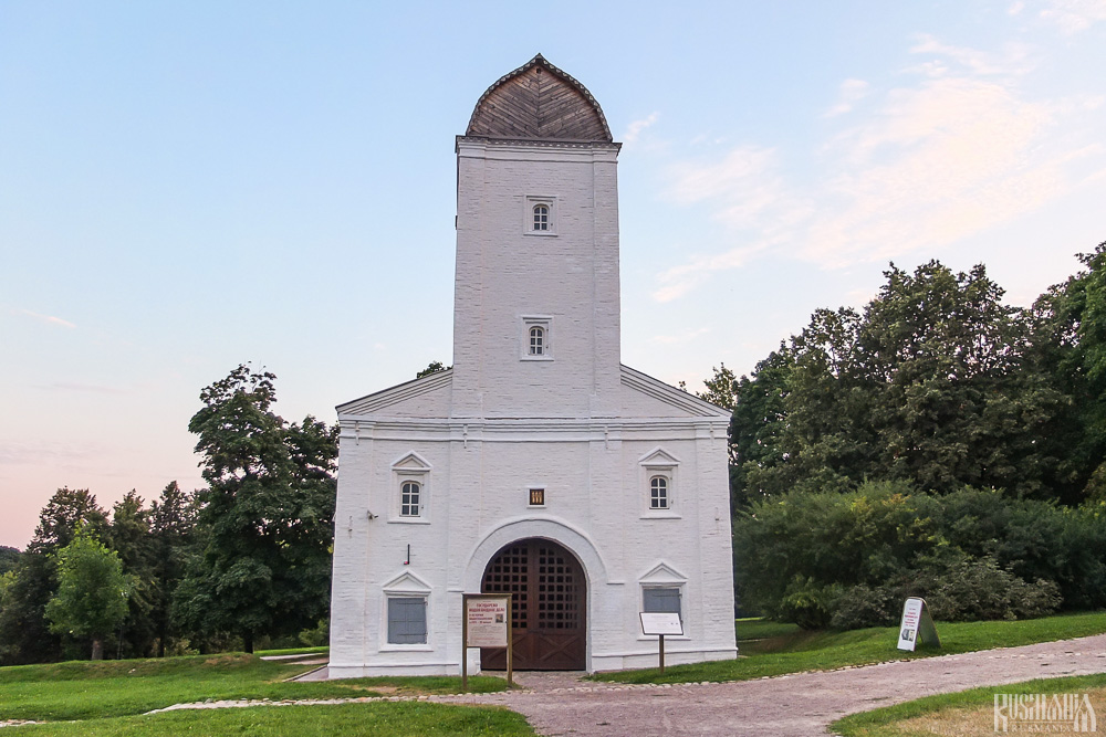 Water Tower, Kolomenskoe Estate (August 2013)