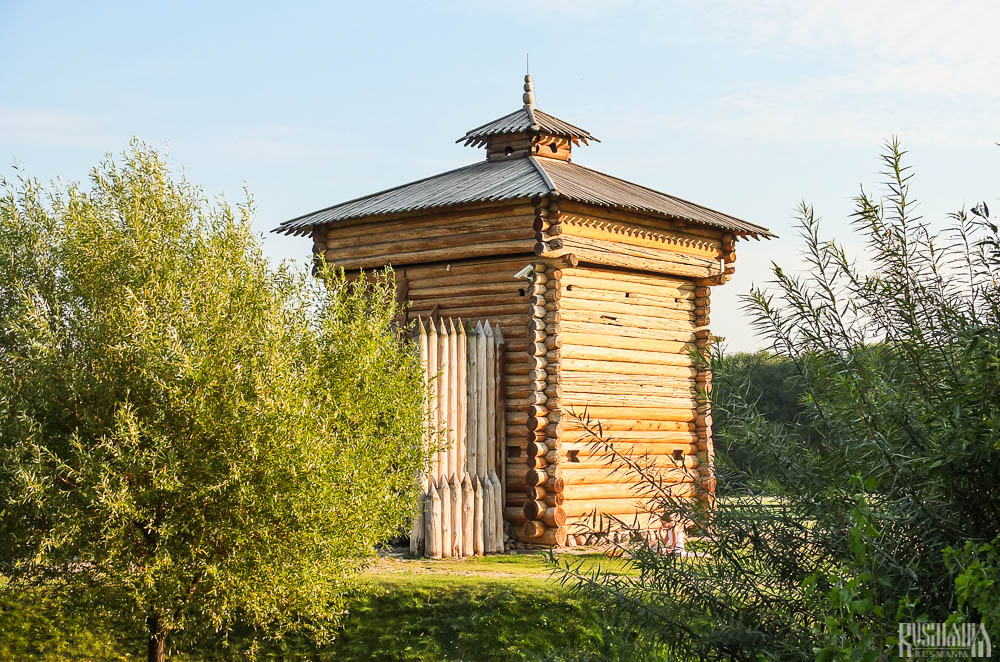 Tower of the Bratsk Stockade, Kolomenskoe Estate (August 2013)