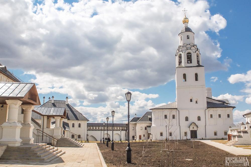 Bogoroditse-Uspensky Monastery - Sviyazhsk